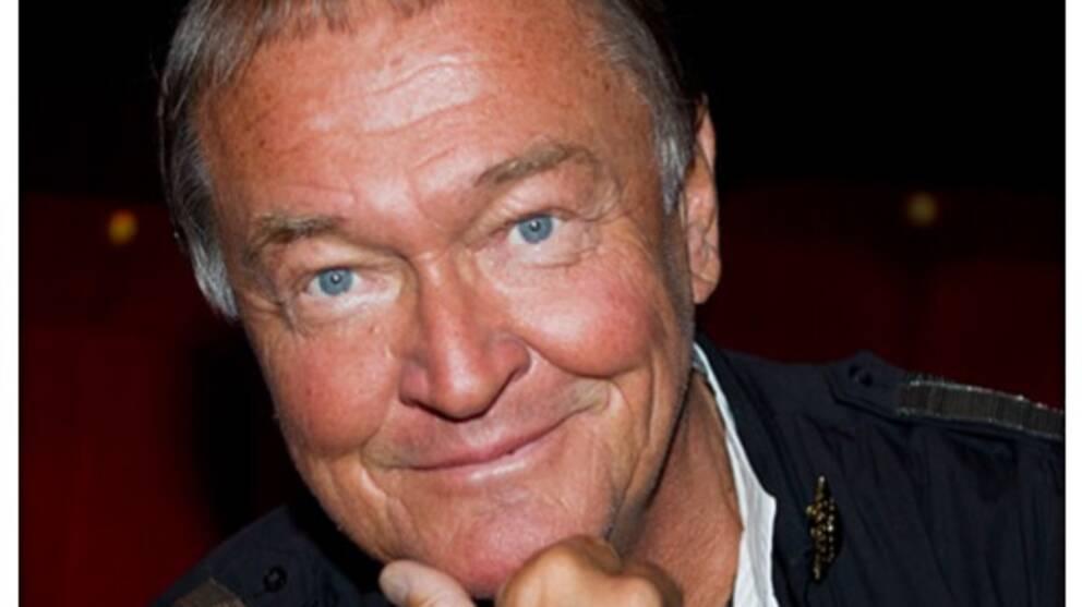 Owe Sandström som designat kläderna till ABBA.