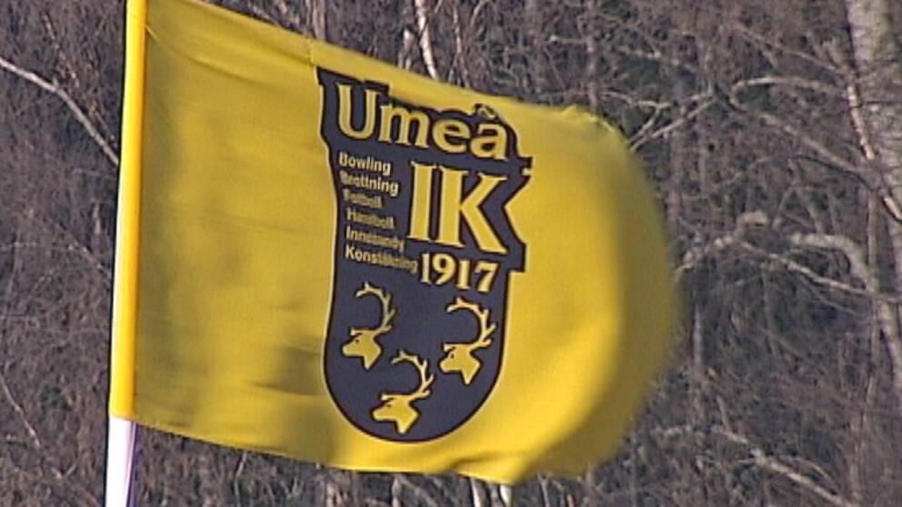 En Umeå IK-flagga.