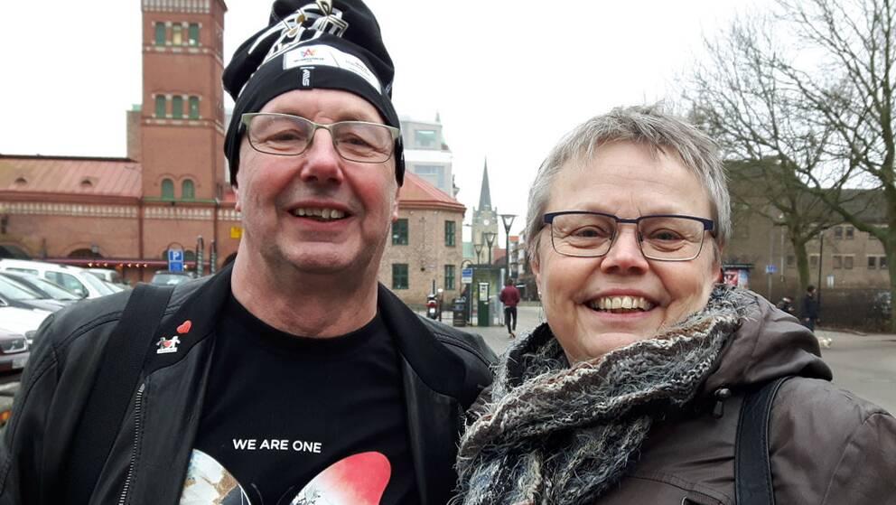 Hasse Gustafsson och Berit Vindeskog från Upplands Väsby besöker Halmstad för att se på Melodifestivalen.