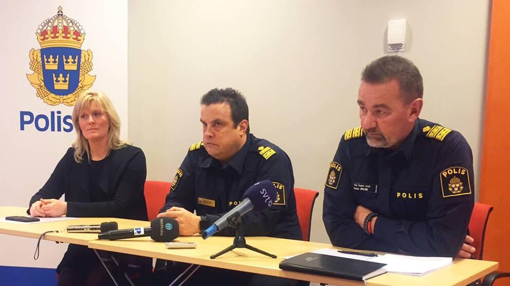 Polisen höll under måndagen en presskonferens med Sanna Matsson, förundersökningsledare, Peter Moberg, lokal polisområdeschef östersund och Stephen Jerand, polisområdeschef Jämtland.