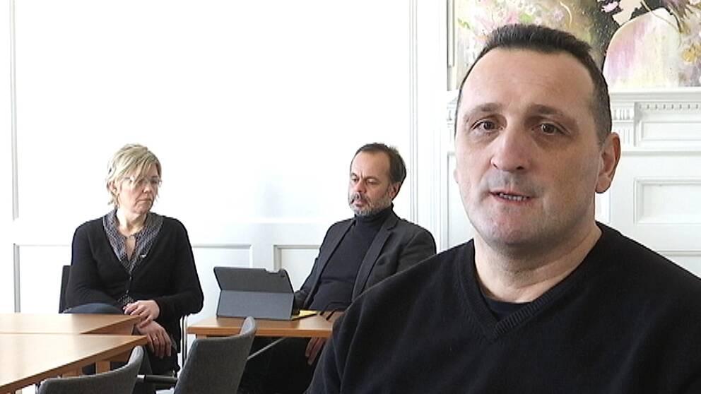 Agneta Alenäs, personalhandläggare. Kenth Ahlin, kriminalvårdschef i Halmstad. Kenjić Nenad, kriminalvårdare.
