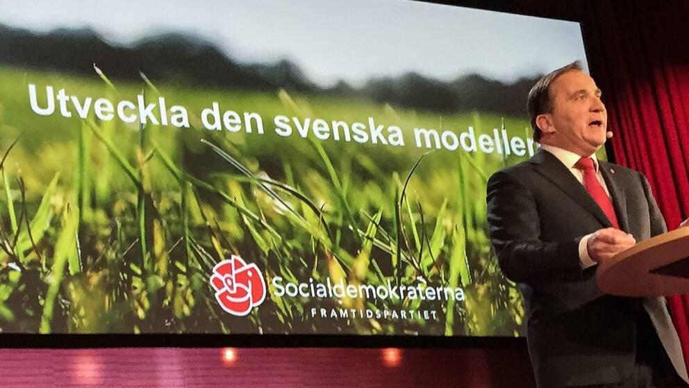 """""""Ska vi hålla ihop det land som nu glider isär, behöver den svenska modellen utvecklas,"""" säger Löfven."""