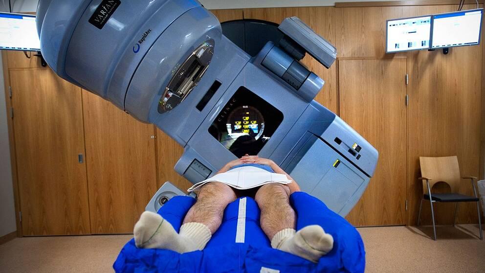 En man genomgår screening för prostatacancer