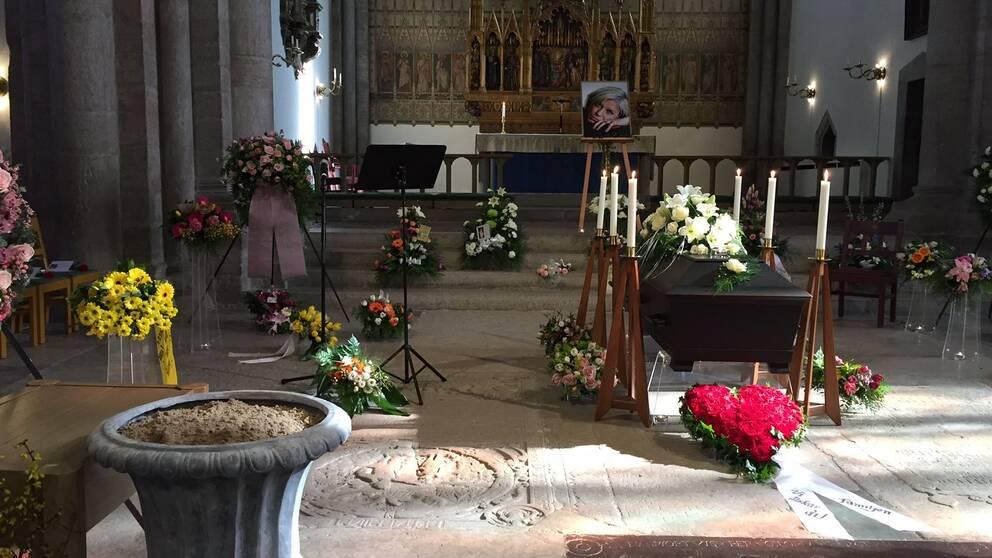 Josefin Nilssons begravning hölls i Visby Domkyrka.