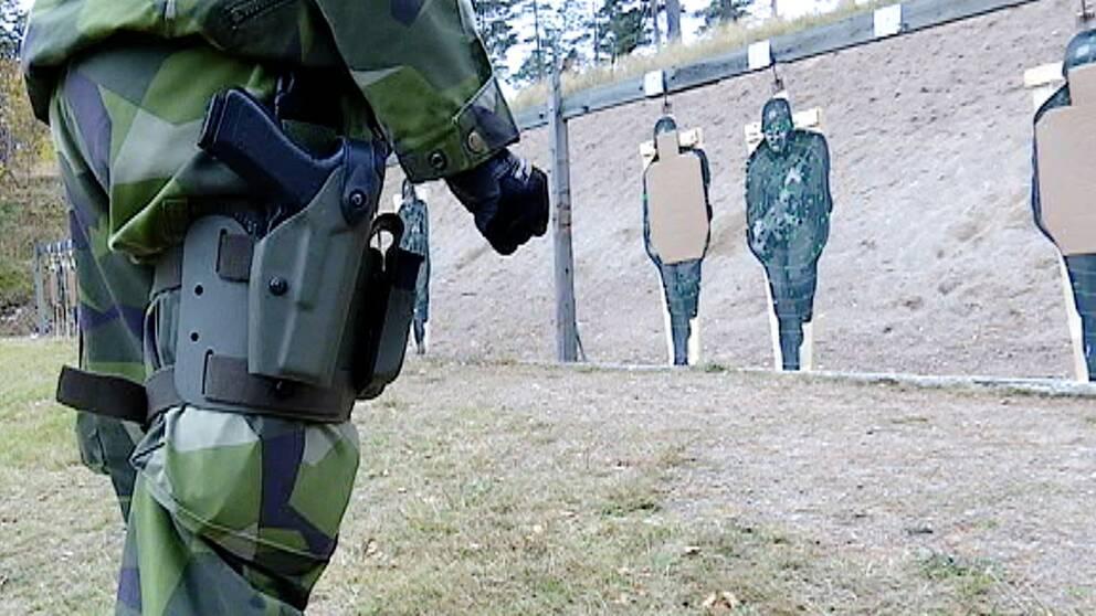 Soldater på skjutbana