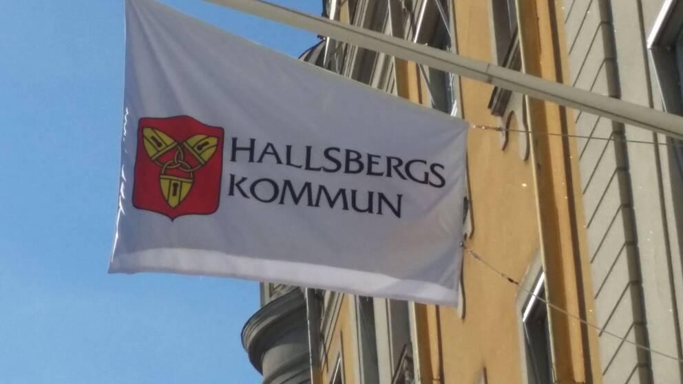 Flagga Hallsbergs kommun