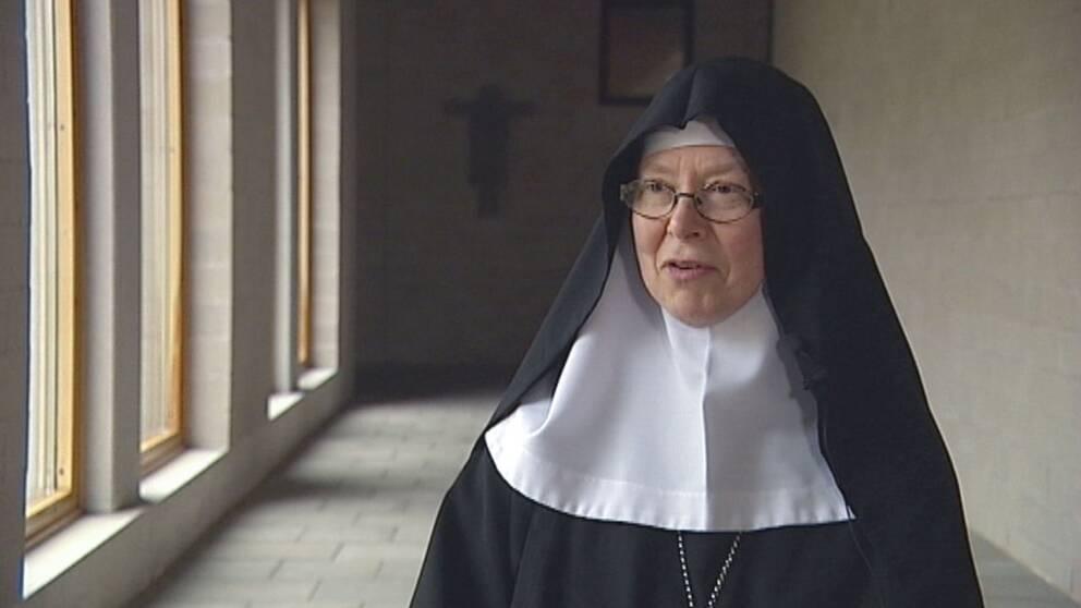 – Det känns som ett oerhört stort förtroende att bli vald av systrarna, säger Moder Christa, klostret Mariavalls nya abbedissa.
