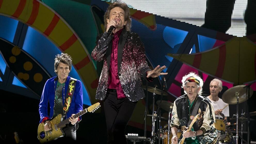 Rocklegenderna i Rolling Stones intog på fredagkvällen scenen i Havanna i Kuba.