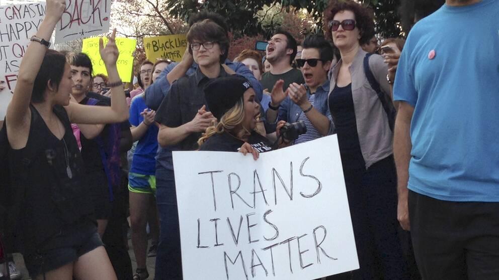 Människor demonstrerat mot lagen i Raleigh, North Carolina.