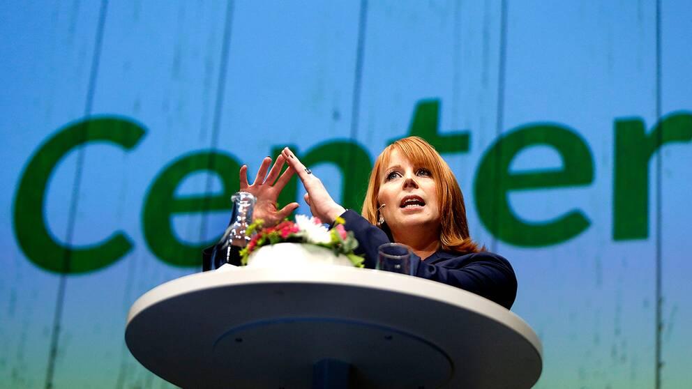 Centerledaren Annie Lööf vid partiets kommundagar i februari