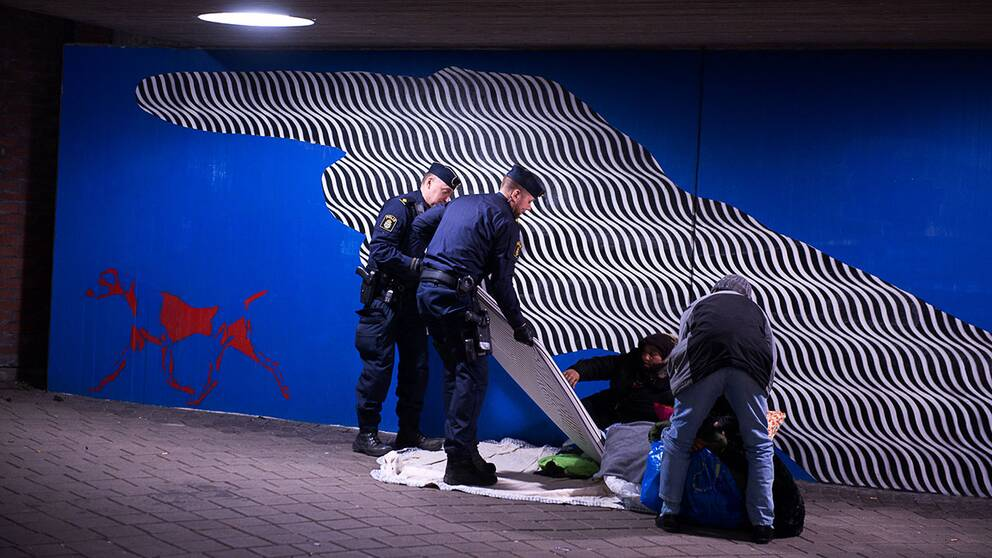 EU-migranter avhyses.