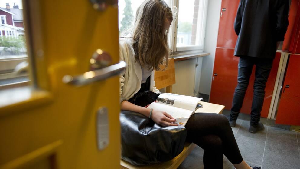 Bild på skolflicka.