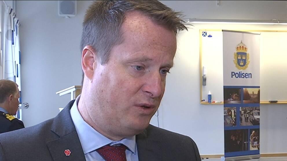 Lagen om tvångsäktenskaps ses nu över, det säger inrikesminister Anders Ygeman (S).