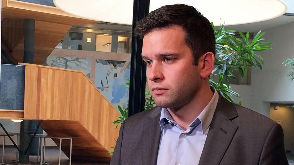 Folkhälsominister Gabriel Wikström (S) menar att maxbeloppet tio miljoner kronor är ett väl tilltaget belopp som ersättning för de narkolepsidrabbade.
