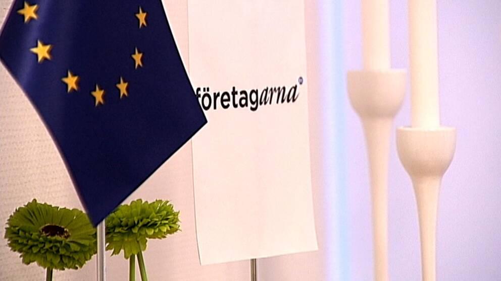 Företagarnas logg och en EU-flagga