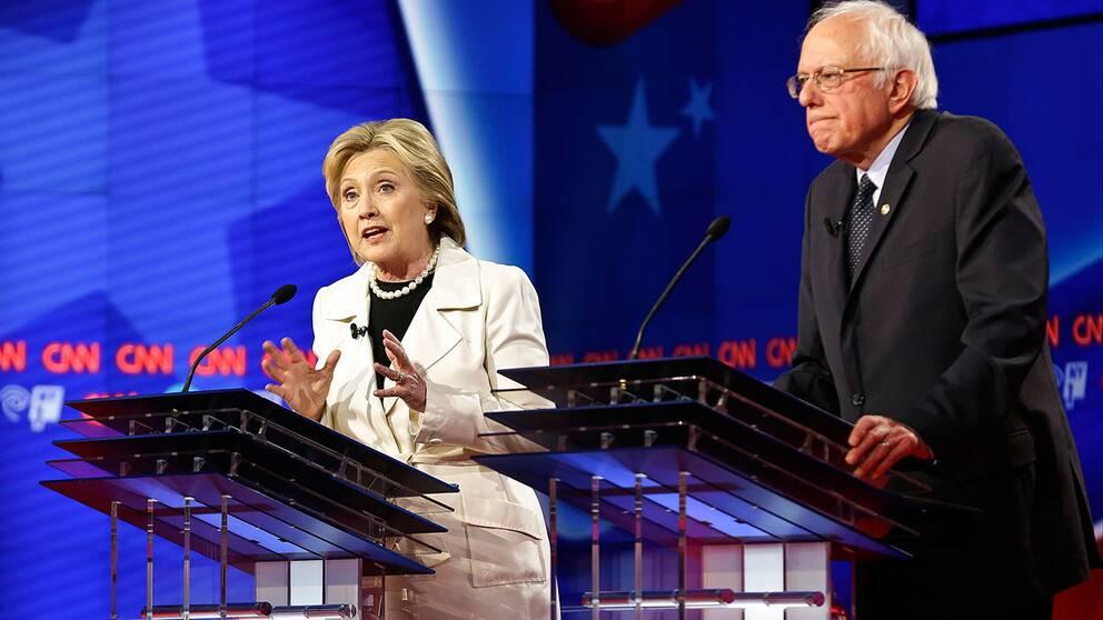 Hillary Clinton och Bernie Sanders.