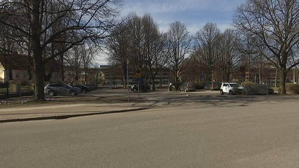 En av bilarna som användes då en man kidnappades i Gävle har hittats i Västernorrland.