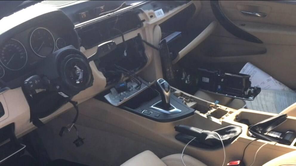 Bil utan ratt och panel