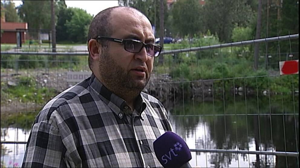Abdelhak Lahouaichri avgår