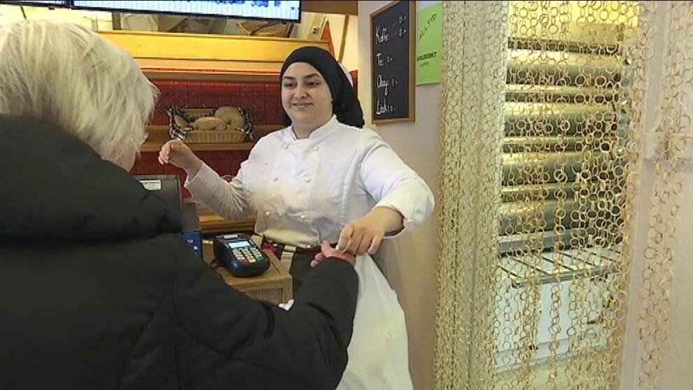 Nu säljer hon Ingeborgs bageri