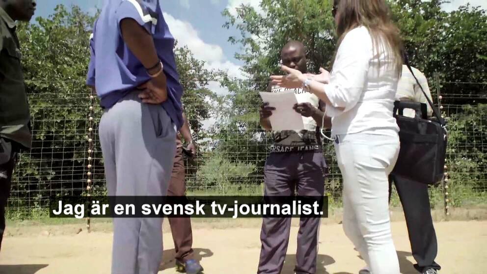 Uppdrag gransknings Sophia Djiobaridis och Åke Wehrling har nu kommit hem till Göteborg efter att ha varit fast i Zambia i över en vecka. Teamet besökte Zambia för att granska hur det svenska biståndet till landet används. Gripandet skedde när teamet tillsammans med den lokale reportern Charles Mafa sökte upp en farm som ägs av chefen för en av de organisationer som får bistånd från Sverige. De framförde sitt önskemål om intervju utanför farmens grind till en vakt. Detta ledde till att polis kom till platsen och grep teamet, som först fördes till en lokal polisstation och senare till ett häkte där de satt inlåsta under två dygn.