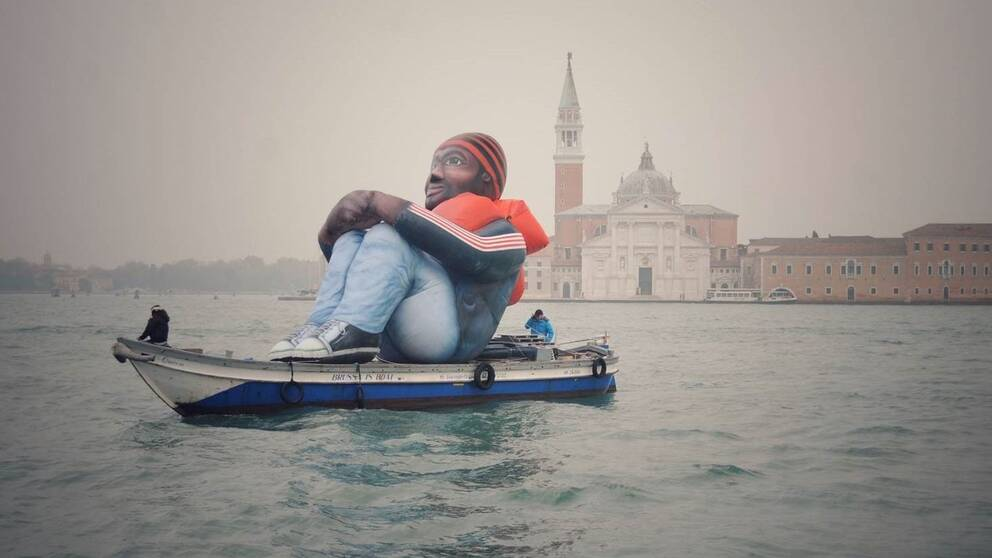 Inflatable Refugee, Venice, Italy, November 2015 picture by Dirk Kinot