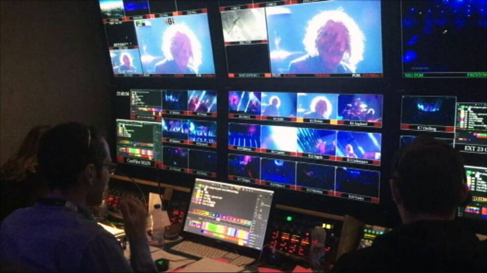 Bildproducenti i kontrollrummet på ESC.