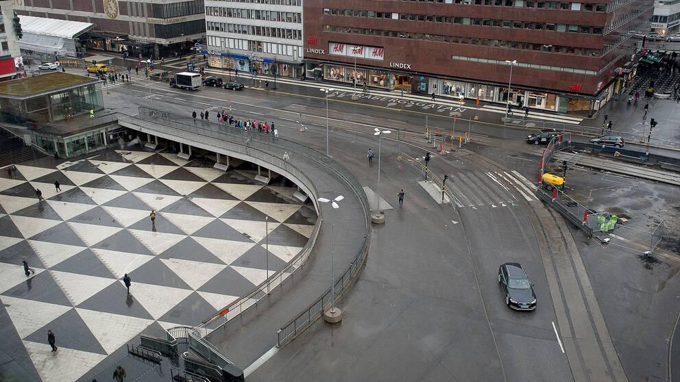 Man knivskuren i stockholms city 1