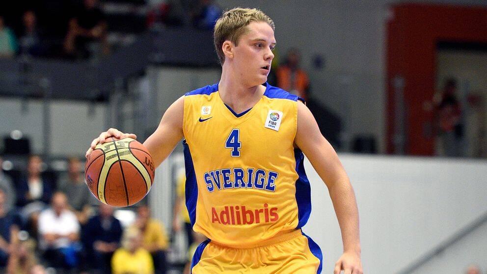 Ludvig Håkansson i den svenska landslagströjan.