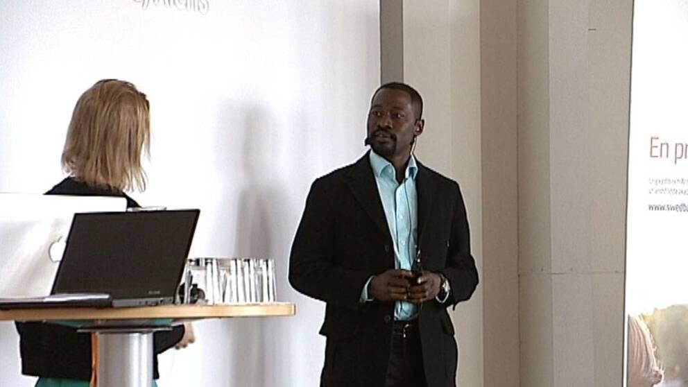 Gaber Omer Musa Mohamed föreläser