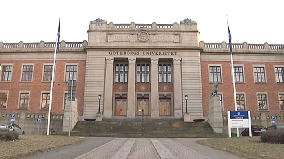 Bild av Göteborgs universitet framifrån.