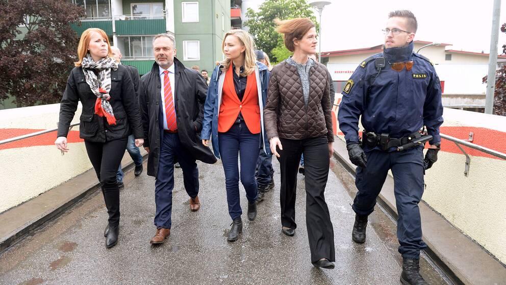Alliensens partiledare Annie Lööf (C), Jan Björklund (L), Ebba Busch Thor (KD) och Anna Kinberg Batra (M) besöker Stockholmsförorten Husby.