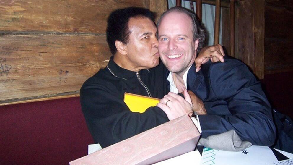 Muhammad Ali och Peter Olsson firade en av boxningsikonens födelsedagar.