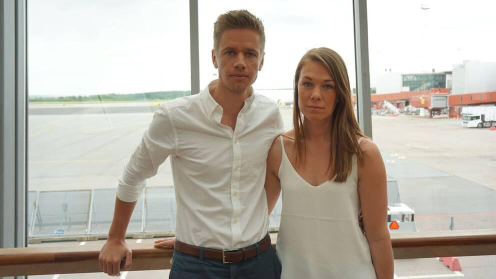 Peter Lindström och Ida Lundquist blev strandade på Arlanda tillsammans med stora delar av bröllopssällskapet.