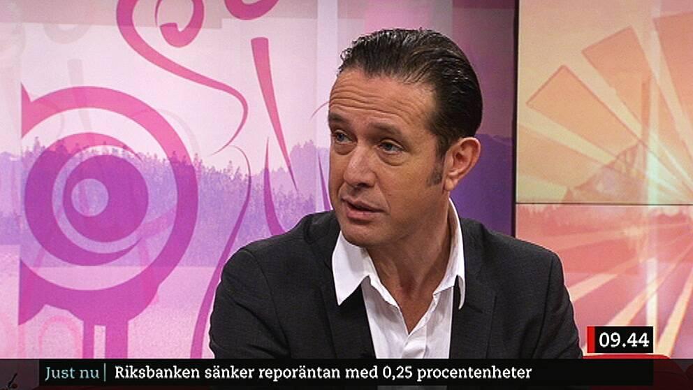 Peter Rawet, ekonomikommentator