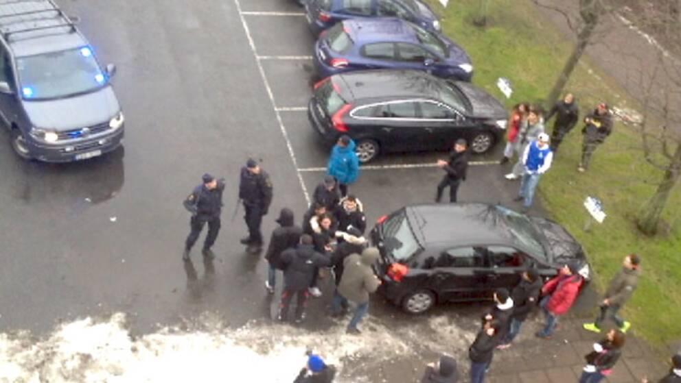 Skolungdomar drabbar samman med polisen i Göteborg