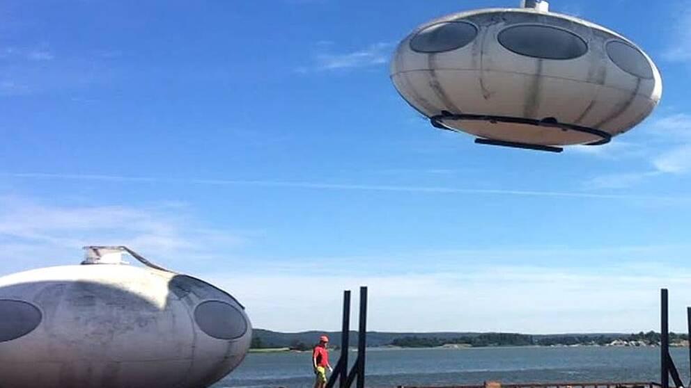 Ett Futurohus landar på kajen i Norrköping.
