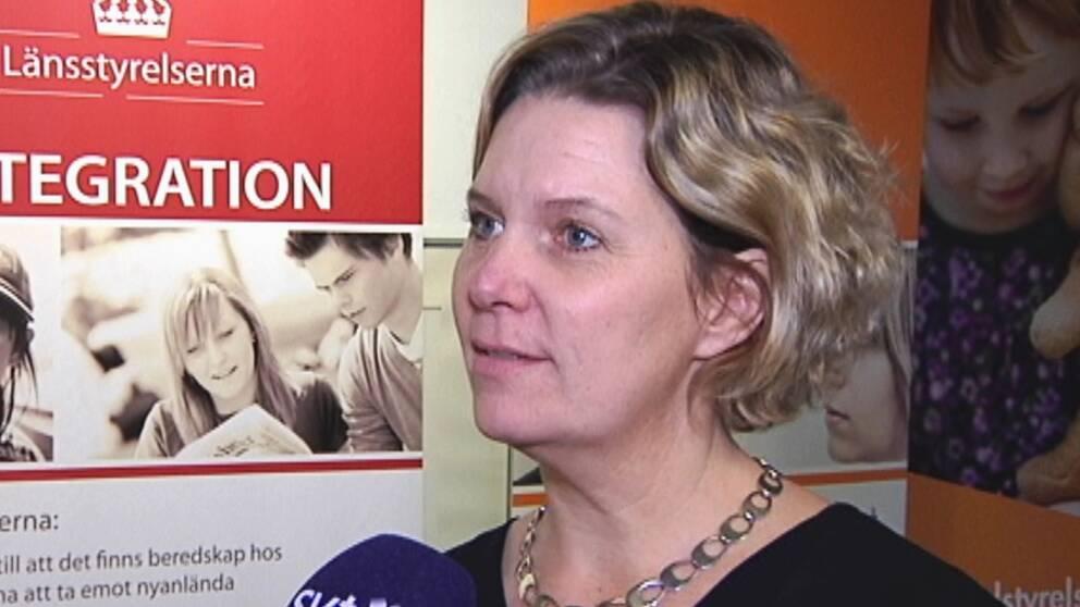 Länsrådet Malin Almqvist blir tillförordnad landshövding. Något som kan leda till fler jävsituationer, säger statsvetare.