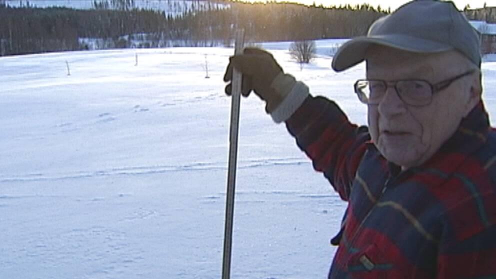 En av de platser i landet som hade gott om snö i december var Sänningstjärn i nordligaste Hälsingland. Den 28 december kunde Edgar Lycksell konstatera att snödjupet var 75 cm.