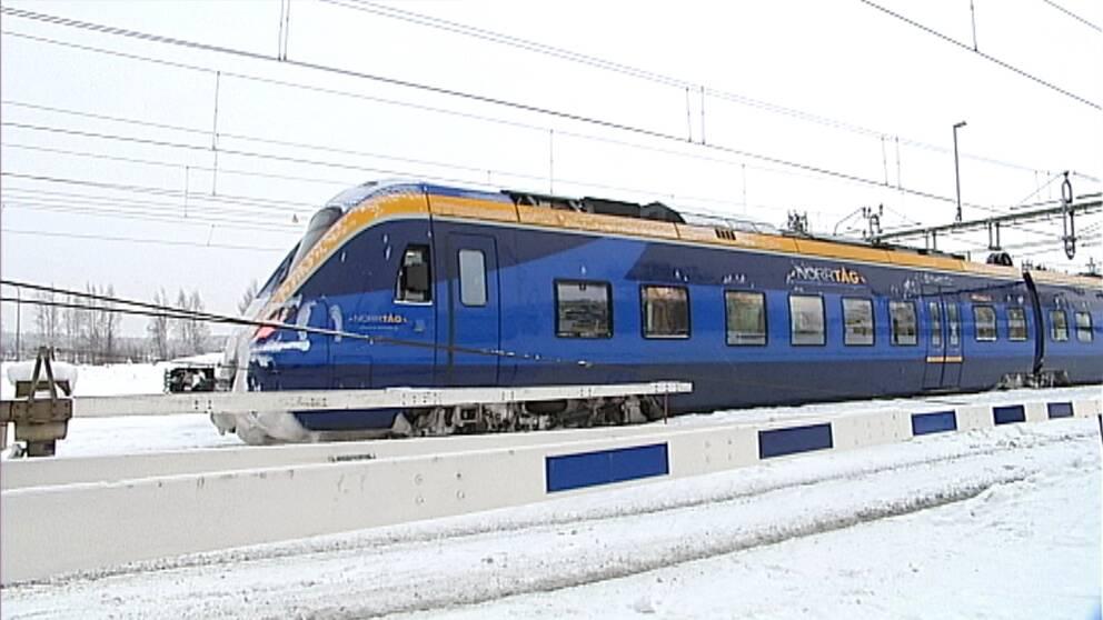 Tåg från Norrtåg vintertid.