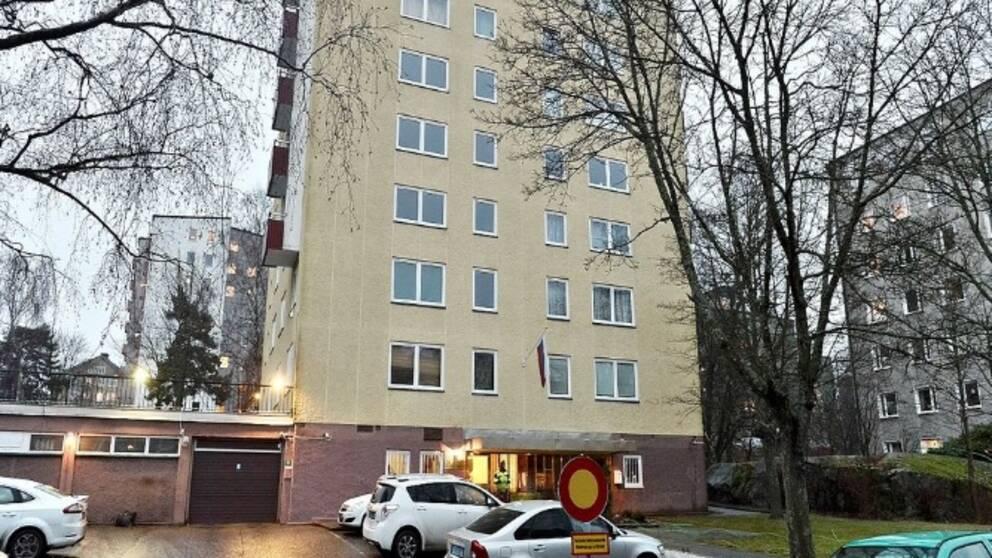 Rysslands handelsrepresentation äger ett sjuvåningshus på Lidingö.