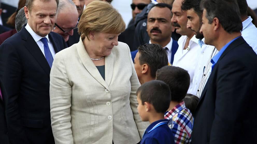 Merkel med flyktingar i Turkiet