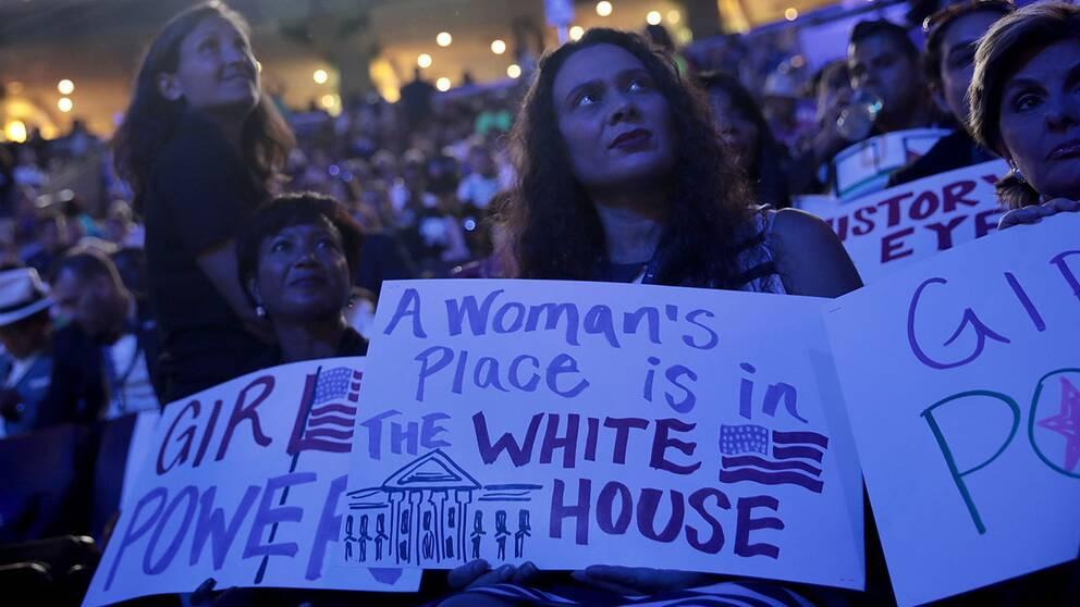 Så förvandlade Clinton förolämpningen till en rörelse