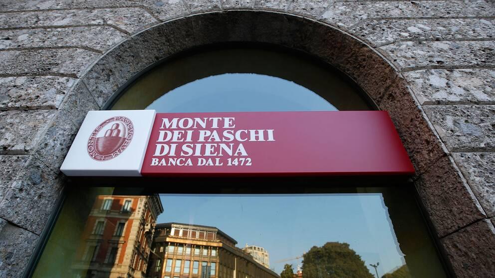 Monte dei Paschi di Sienna är Italiens tredje största bank och grundades redan år 1472. Den har som många andra banker i Italien problem med dåliga lån.
