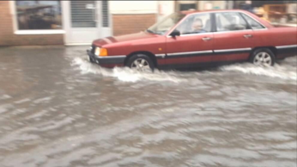 Norrtälje drabbades av lokala översvämningar efter kraftigt regn den 11 juli.