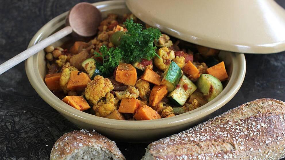nordafrikansk tagine, bön- och grönsaksgryta.