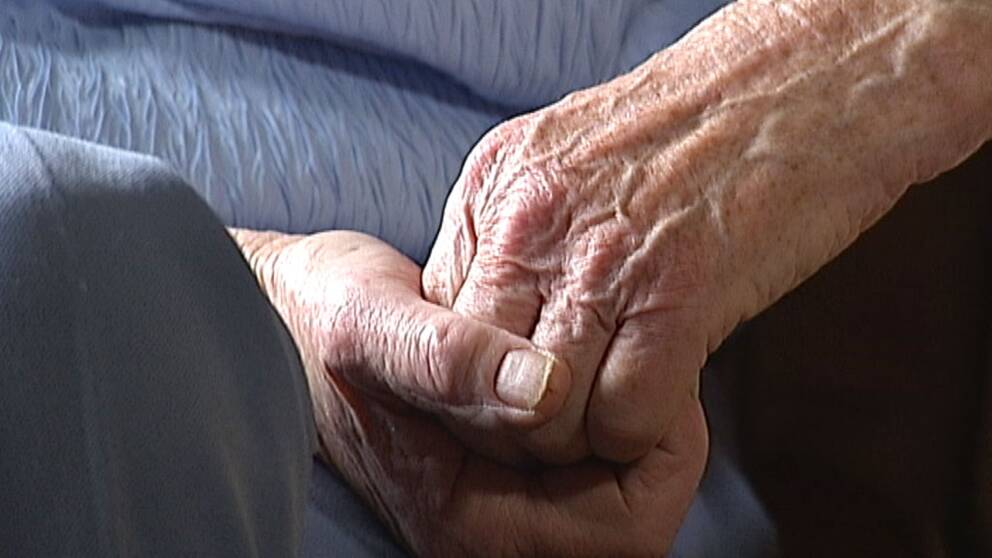 gammal kvinna äldre