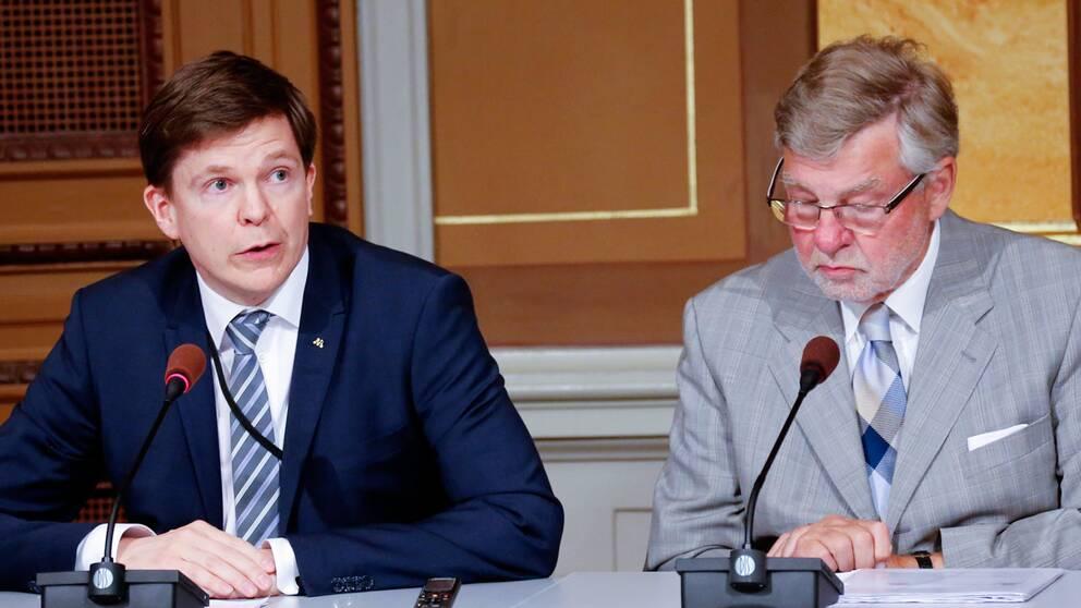 KU:s Andreas Norlén (M), ordförande, och Björn von Sydow (S)