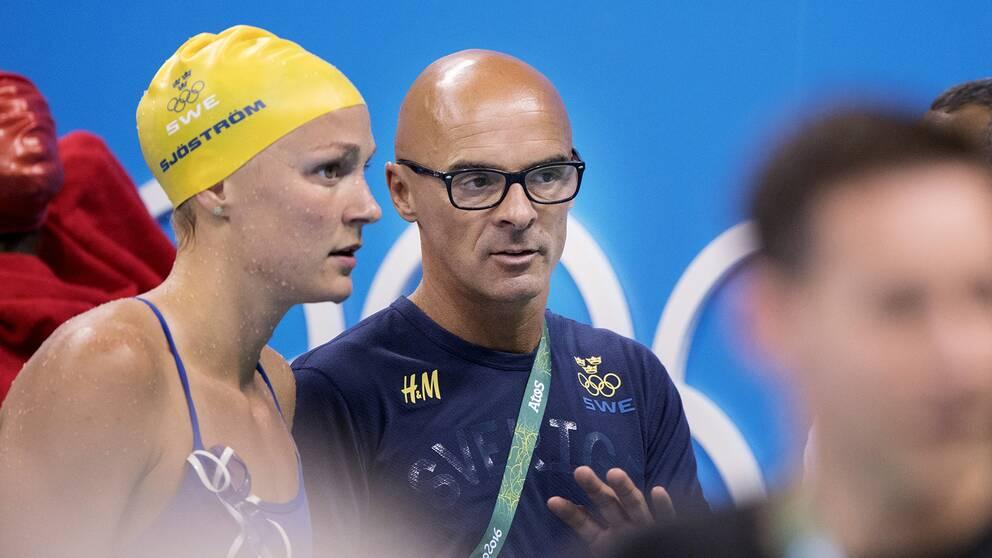 Sarah Sjöström och hennes tränare Carl Jenner.