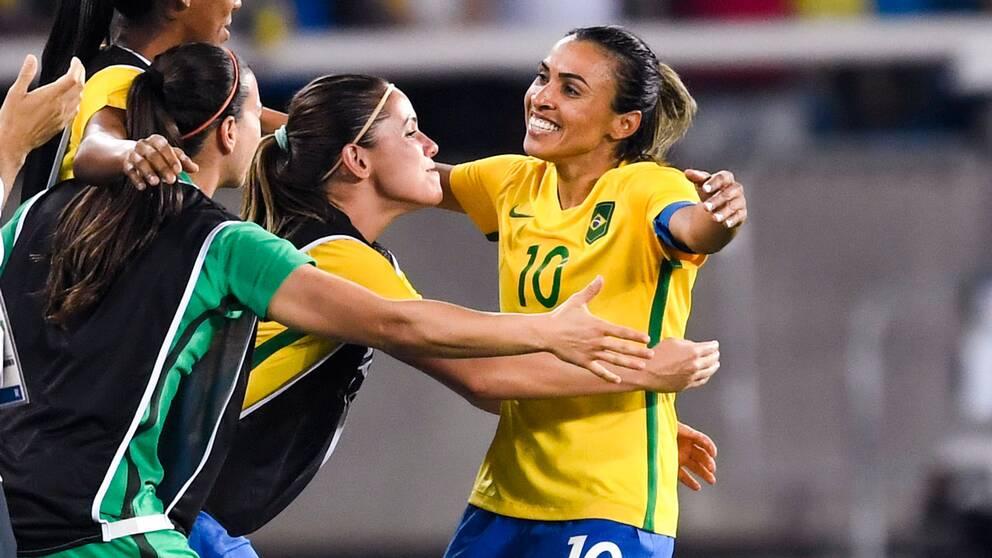Sverige möter Brasilien i semifinal.